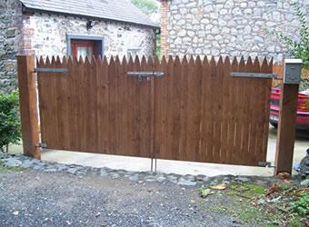 wooden cottage gates